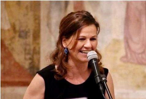 """""""La poesia abbraccia il mondo"""" di Agata De Nuccio: parte il progetto di poesia itinerante che parla in tutte le lingue del mondo"""