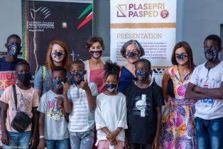 Le mascherine inclusive degli stilisti senegalesi: la cooperazione italiana a Dakar nel racconto di Chiara Barison