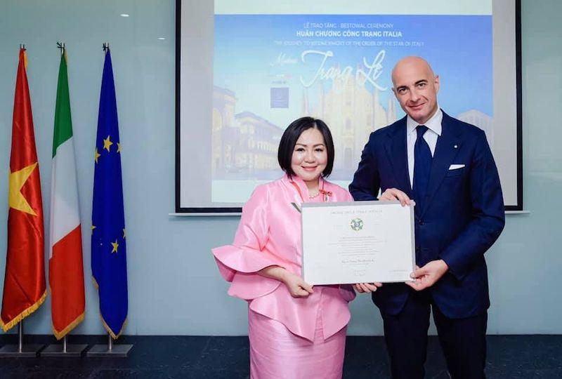 HCMC: il console Brandi consegna il Cavalierato dell'Ordine della Stella d'Italia a Trang Le