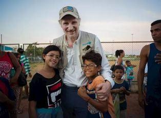 UNICEF: IL GOODWILL AMBASSADOR LIAM NEESON INCONTRA BAMBINI VENEZUELANI MIGRANTI