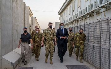 AFGHANISTAN: L'AMBASCIATORE NATO PONTECORVO VISITA IL TAAC-WEST DI HERAT