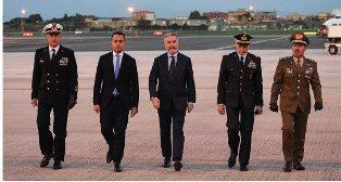 ATTENTATO IRAQ: RIENTRATI IN ITALIA I MILITARI FERITI/ DI MAIO E GUERINI A CIAMPINO
