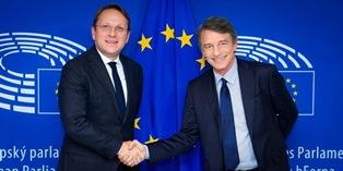 NUOVA COMMISSIONE UE (QUASI) COMPLETA, DALL'EUROCAMERA OK AL CANDIDATO UNGHERESE – di Fabiana Luca