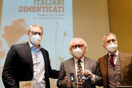 Italiani dimenticati - Viaggio nei drammi del Confine Orientale: in Fvg il libro di Mauro Tonino