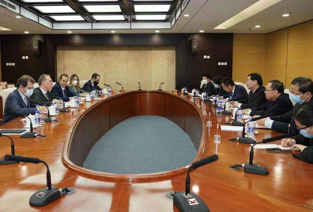 PECHINO: L'AMBASCIATORE FERRARI INCONTRA IL MINISTRO DELLA CULTURA CINESE
