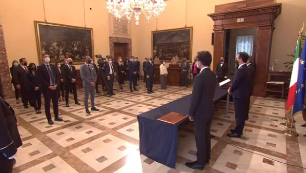 Governo: i sottosegretari giurano a Palazzo Chigi
