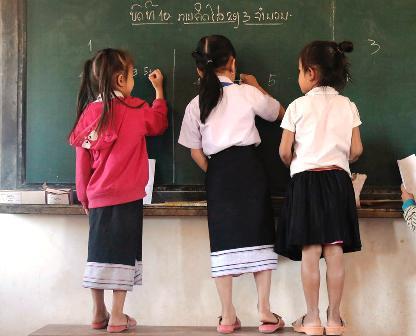 UNICEF: UNA RAGAZZA POVERA SU TRE NON VA A SCUOLA