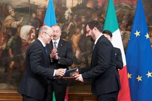 ENERGIA: FIRMATO MEMORANDUM TRA ITALIA ED AZERBAIGIAN