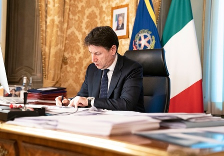 CORONAVIRUS: L'ITALIA SI FERMA