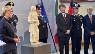 GERMANIA-ITALIA: FRANCESCHINI RESTITUISCE A FAMIGLIA EBREA TEDESCA UNA STATUA DELLA ROBBIA SOTTRATTA DAI NAZISTI