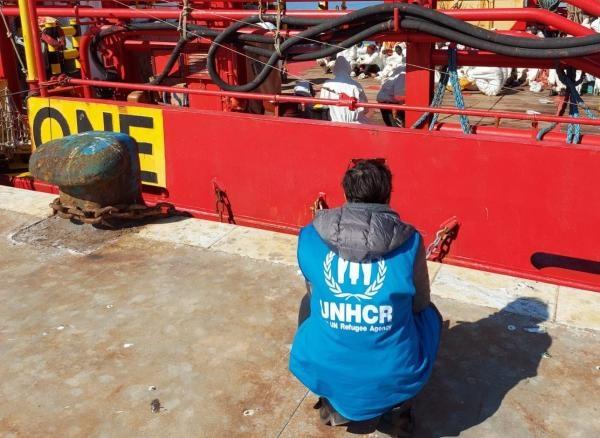 Mediterraneo: almeno 41 persone disperse in un naufragio