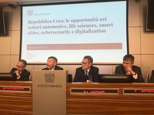 SCALFAROTTO ALLA INAUGRAZIONE DEL CZECH-ITALIAN BUSINESS FORUM A MILANO