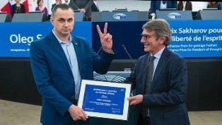OLEG SENTSOV RICEVE DI PERSONA IL PREMIO SACHAROV 2018 AL PARLAMENTO EUROPEO