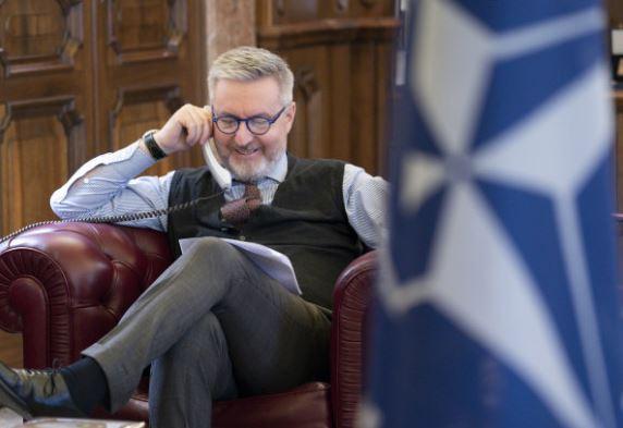 Afghanistan e Iraq: il Ministro Guerini a colloquio con il Segretario Generale della Nato