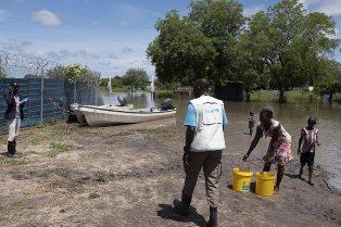 IN SUD SUDAN 490.000 BAMBINI COLPITI DALLE INONDAZIONI: L'APPELLO DELL'UNICEF