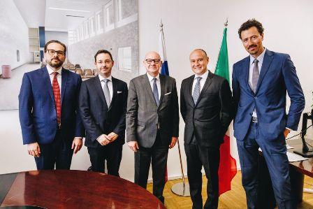 SLOVACCHIA: L'AMBASCIATORE MEUCCI VISITA LA CAMERA DI COMMERCIO ITALO-SLOVACCA