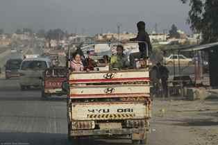 UNICEF: PIÙ DI 6.500 BAMBINI FUGGONO OGNI GIORNO DAL NORD OVEST DELLA SIRIA