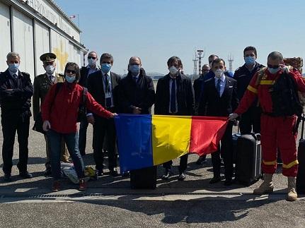 CORONAVIRUS: ARRIVATI A LINATE 11 MEDICI E 4 INFERMIERI DALLA ROMANIA DESTINATI A LECCO