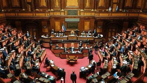 CURA ITALIA: IL SENATO VOTA LA FIDUCIA