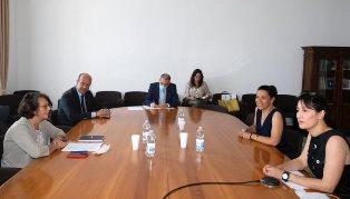 IMPEGNATI PER UNA SOLUZIONE DEMOCRATICA IN VENEZUELA: IL VICE MINISTRO SERENI INCONTRA MAGALLANES E ZUBILLAGA