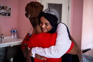 LA GOODWILL AMBASSADOR UNICEF HALIMA ADEN INCONTRA I MINORI NON ACCOMPAGNATI E RIFUGIATI IN ITALIA
