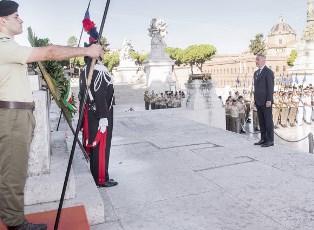 DIFESA: IL MINISTRO GUERINI ALL'ALTARE DELLA PATRIA