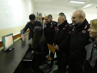 KOSOVO: I CARABINIERI INAUGURANO UN'AULA INFORMATICA A ZHEGER