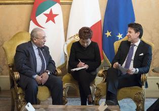 ITALIA - ALGERIA: CONTE INCONTRA LAMAMRA