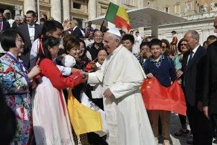 FRANCESCO: L'EVANGELIZZAZIONE NON È PROSELITISMO
