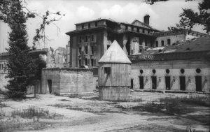 30 APRILE 1945: IL SUICIDIO DI HITLER - di Edoardo Terzi