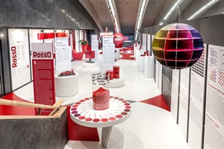 """RED IN ITALY. THE COLOURS OF RED IN THE ITALIAN DESIGN"" IN MOSTRA A BRUXELLES"