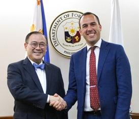 VISITA NELLE FILIPPINE DEL SOTTOSEGRETARIO MANLIO DI STEFANO