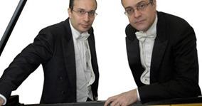 """""""QUATTRO MANI ALL'OPERA!"""": IL DUO PIANISTICO AURELIO E PAOLO POLLICEIN CONCERTO AD AMSTERDAM"""