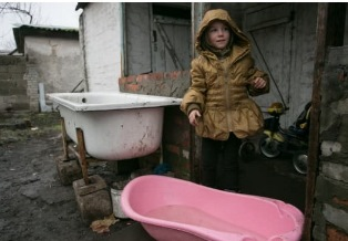 UNICEF: IN UCRAINA ORIENTALE 3,2 MILIONI DI PERSONE RISCHIANO DI RIMANERE SENZA ACQUA A CAUSA DEL CONFLITTO