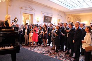 FESTA DELLA REPUBBLICA A BRUXELLES: ELENA BASILE METTE IL MADE IN ITALY IN VETRINA