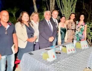 "PALAGONIA: CARMELO VACCARO PRESENTA ""PENSIERI DIVERSI"", LA SUA ULTIMA SILLOGE DI POESIE"