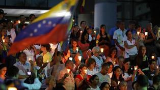 VENEZUELA: MOAVERO CONDANNA I PROVVEDIMENTI GIUDIZIARI CONTRO L'OPPOSIZIONE/ MARIELA MAGALLANES NELL'AMBASCIATA ITALIANA