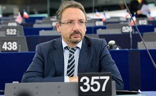 6 DOMANDE SULL'EURO-PARLAMENTO AI CANDIDATI ALLE EUROPEE: PIERNICOLA PEDICINI (MOVIMENTO 5 STELLE) – di Alessandro Butticè