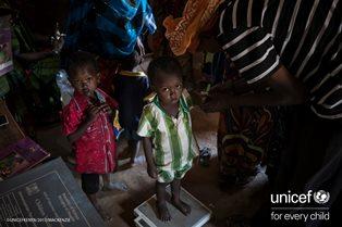 UNICEF: IN KENYA 370.000 BAMBINI HANNO BISOGNO DI CURE PER MALNUTRIZIONE ACUTA