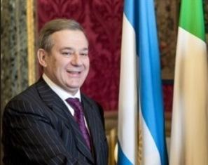 PIEMONTESI NEL MONDO: L'AMBASCIATORE ARGENTINO IN ITALIA E DELEGAZIONI ESTERE IN VISITA A SAN PIETRO VAL LEMINA E FROSSASCO