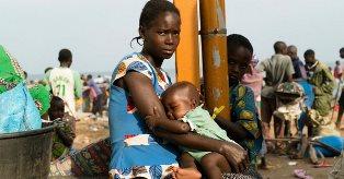 UNHCR: CITTADINI CONGOLESI IN FUGA DA ATROCI VIOLENZE VERSO L'UGANDA