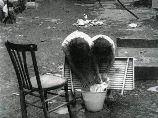 """""""ISOLATO-SPLENDIDO-MARGINALE"""": CIPRO CELEBRA IL FOTOGRAFO 94ENNE MARIO CARBONE"""
