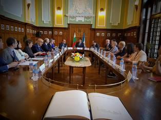 IL MINISTRO BONISOLI A PLOVDIV PER RAFFORZARE LA PARTNERSHIP CON MATERA: LE DUE CAPITALI UE DELLA CULTURA DOVRANNO STUPIRE