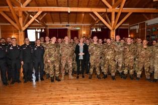 KOSOVO: IL SALUTO DEL MINISTRO PINOTTI AL CONTINGENTE ITALIANO