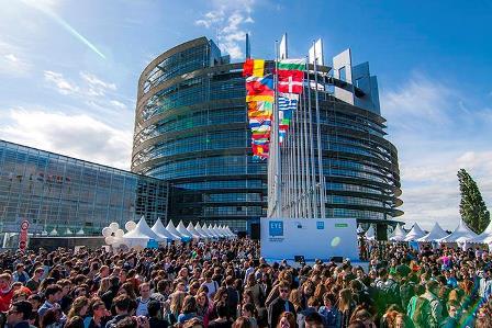 EUROPEAN YOUTH EVENT: 8.000 GIOVANI DISCUTONO IL FUTURO DELL'EUROPA