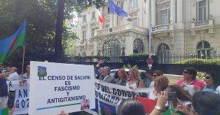 CENSIMENTO ROM: MANIFESTAZIONE DI FRONTE ALL'AMBASCIATA ITALIANA A MADRID/ SANNINO INCONTRA IL CONSIGLIO STATALE DEL POPOLO GITANO