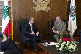 MISSIONE IN LIBANO: IL GENERALE DEL COL INCONTRA MINISTRO ELIAS BOU SAAB