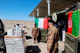 AFGHANISTAN: IL CONTINGENTE ITALIANO DONA ALIMENTI AGLI ORFANI DI HERAT
