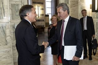 IL MINISTRO MOAVERO MILANESI INCONTRA IL COMMISSARIO UE OETTINGER