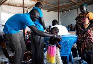 UNICEF: DOPO 5 ANNI DI GUERRA IN SUD SUDAN SONO 15.000 I BAMBINI SENZA GENITORI O SCOMPARSI